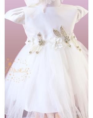 Ekru renk parça kesim etekli çiçek aplike detaylı zarif elbise seti