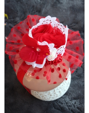 Prenses taç şekilli zarif beyaz dantelli kırmızı tüllü şirin saç bandı