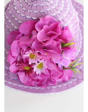 Mor renk beyaz fırfırlı ortanca çiçek süslemeli şapka