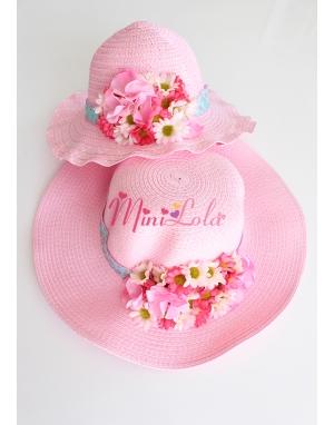 Pembe renkli karışık çiçek papatyalı anne kız şapka takımı