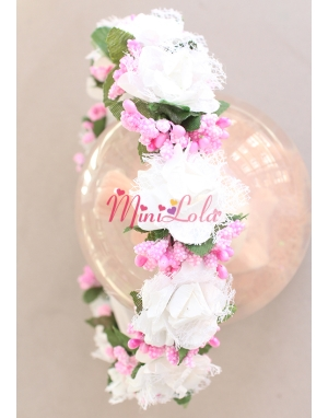 Beyaz tül güllü pembe tomurcuk çiçekli tamtur sıralı taç
