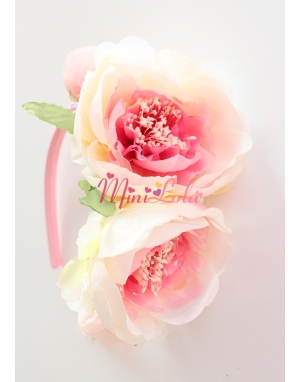 Krem pembe karışık renk geniş şakayık çiçekli sıralı taç
