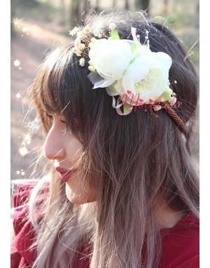 Krem renk şakayık güllü zarif çiçekli bağlamalı taç